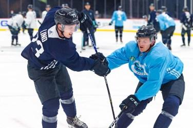 Kole Lind making official debut as Seattle Kraken take on Philadelphia Flyers